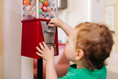 Kinderzahnarzt Haidhausen - Zagrean - das Wartezimmer unserer Praxis bietet viele Spielmöglichkeiten