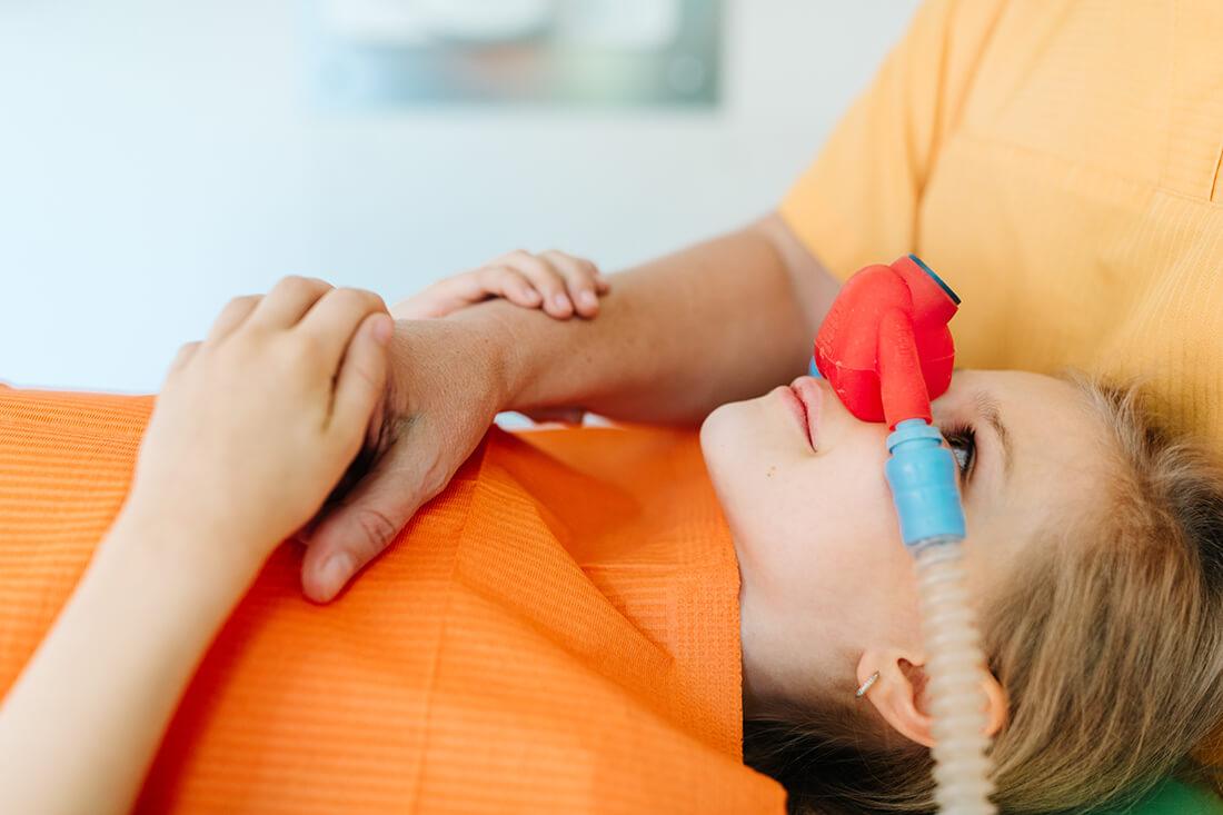 Kinderzahnarzt Haidhausen - Zagrean - Leistungen - Behandlung ohne Schmerzen dank Lachgas