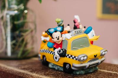 Kinderzahnarzt Haidhausen - Zagrean - Disney taxi in unserer Praxis